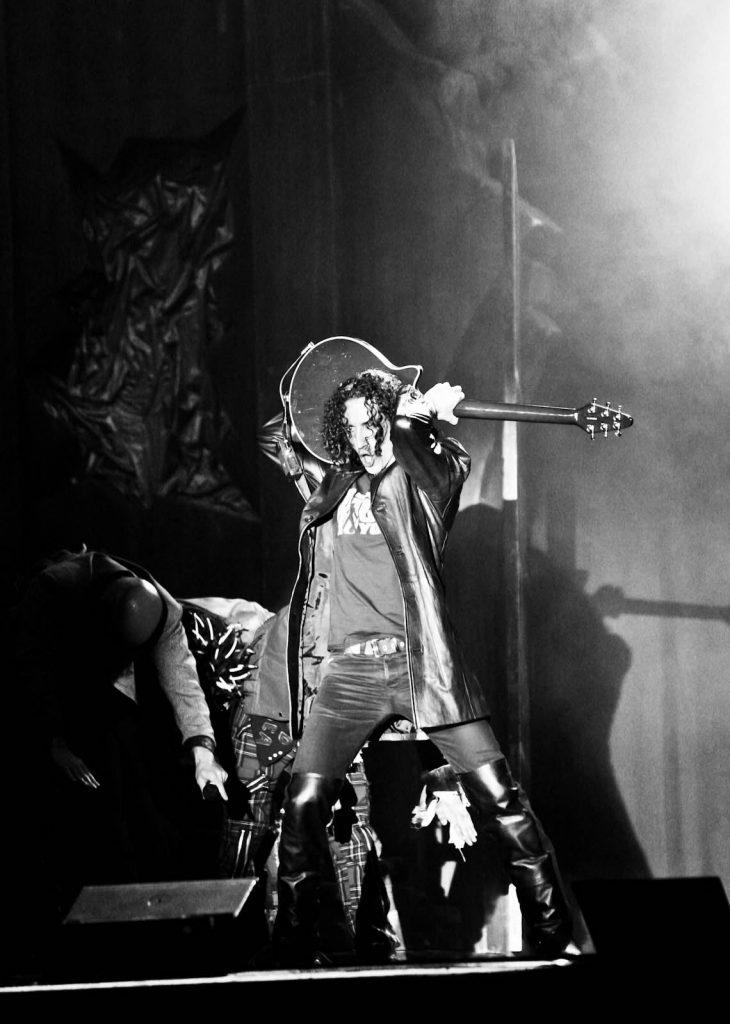 Marco Gerace - Bohemian Rhapsody Guitar Solo behind the head